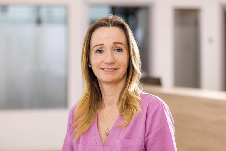 Hausarzt Köln Innenstadt - Dr. Lucia Bachner - Team - Sandra De Haas